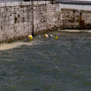 Floating Balls: