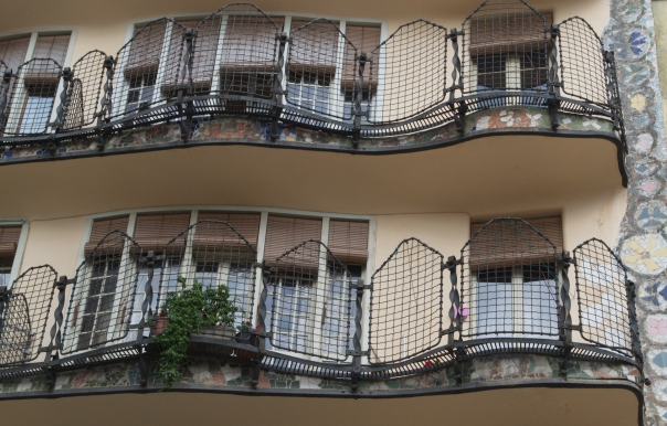 detailed view of the Casa Batllo Balcony